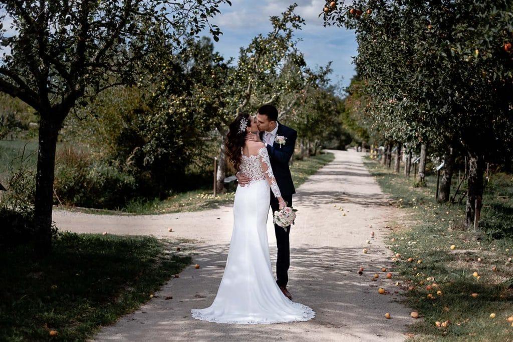 Mariage estival à l'Ecomusée d'Alsace-photographe-mariage-alsace-bas-rhin-haut
