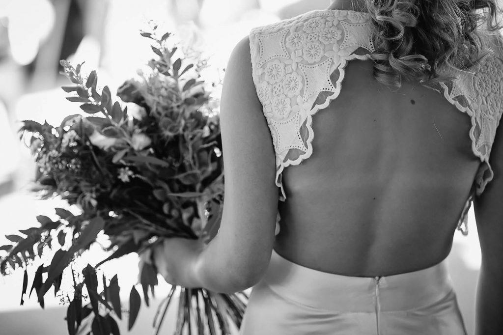 photographe-mariage-alsace-guebwiller-dos-nu-robe-alsace