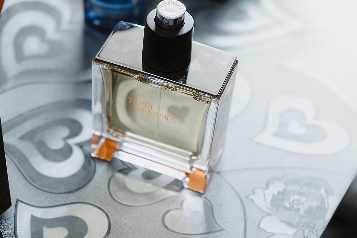 Détail parfum préparatifs-photographe-mariage-alsace