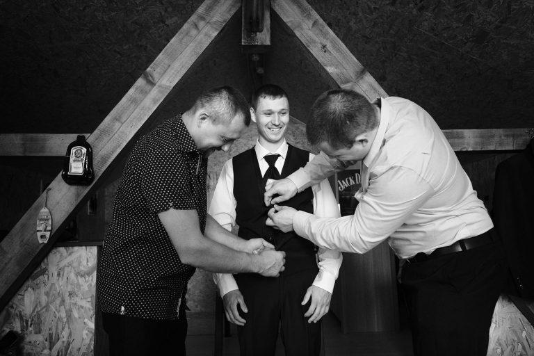 Préparatif du marié-photographe-mariage-alsace