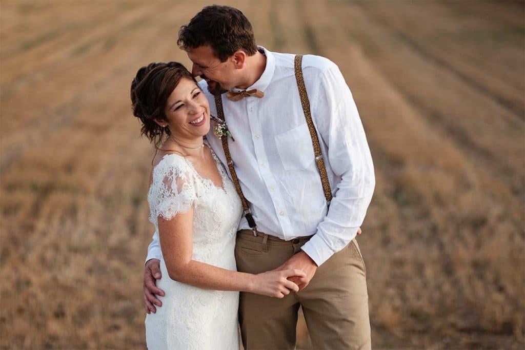 couple-champs-amoureux-mariage-alsace