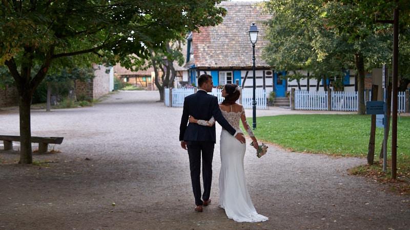 photographe-mariage-ecomusee-alsace-couple-saleen-photo-video-wedding