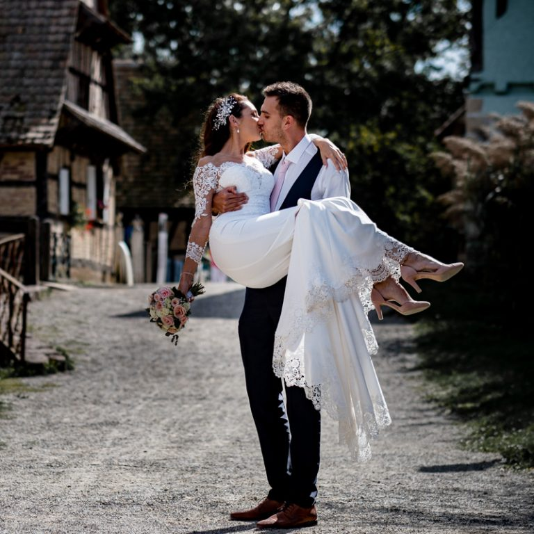 Mariage-ecomusee-day-after-photographie-couple-le-session-engagement-alsace-ensisheim-ungersheim-thann